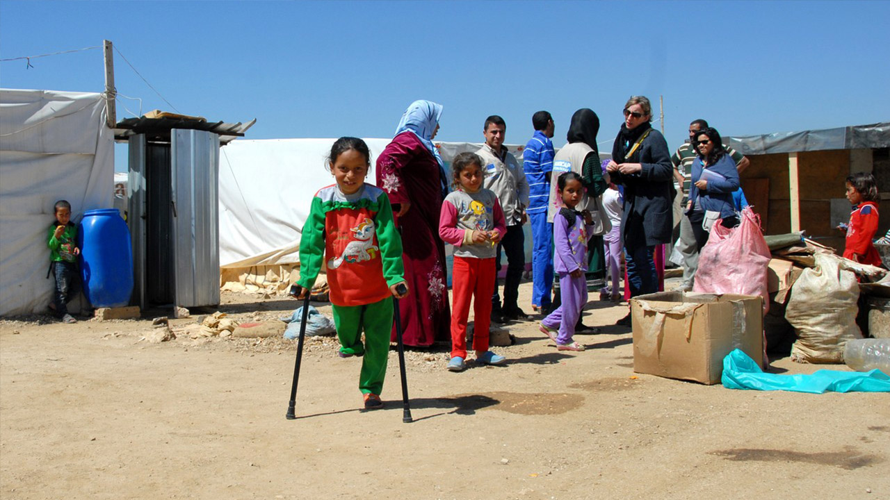 Handicap International's teams in Lebanon are supporting Syrian refugees, providing emergency relief and crucially, offering access to rehabilitation care, prostheses and orthoses. In parallel, it is running a development programme to improve the inclusion of people who are vulnerable or with disabilities in community life.