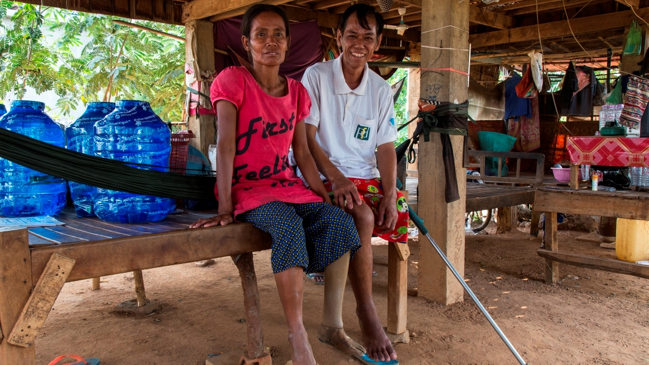 Tirean & Navea, victims of landmines explosions, are married. They are both supported by Handicap International.