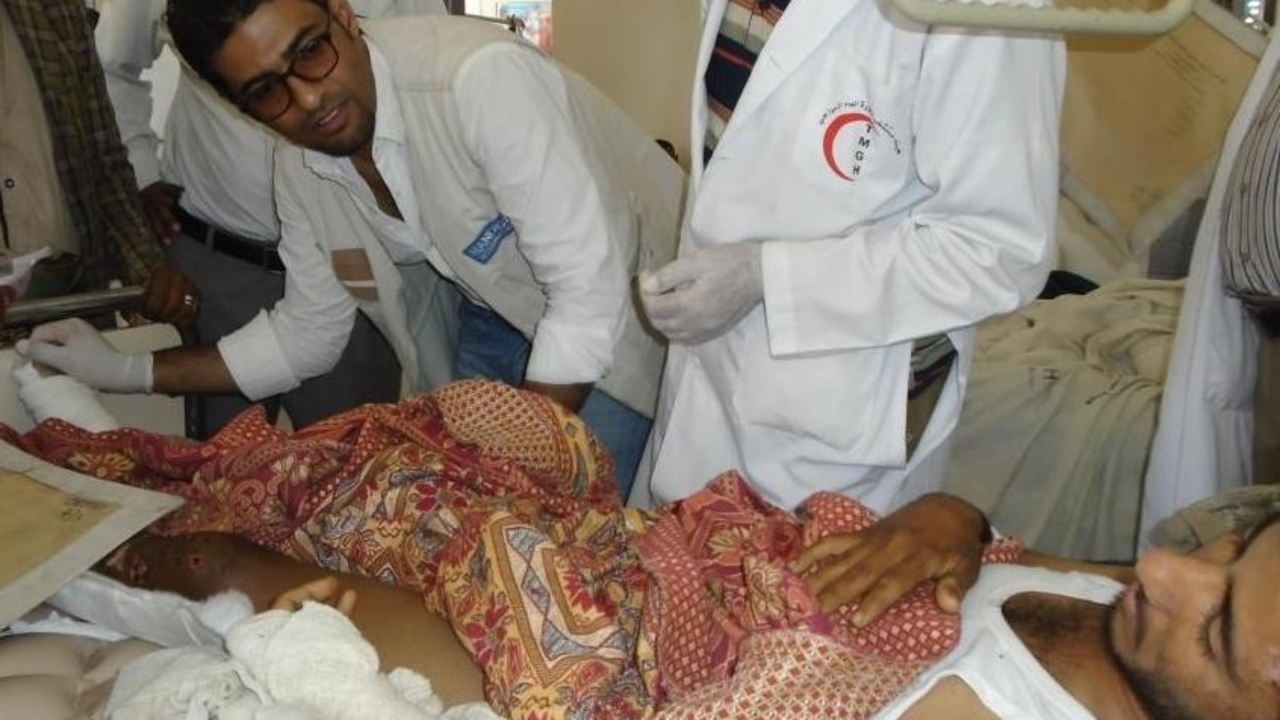 A patient is treated by Handicap International's team in a hospital in Sana'a.
