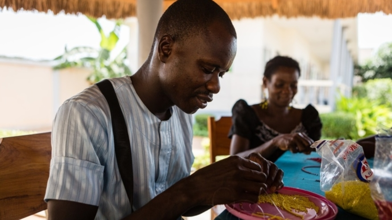 Pearls workshop, occupational therapy session at the Mental Health Center of Lomé, Togo