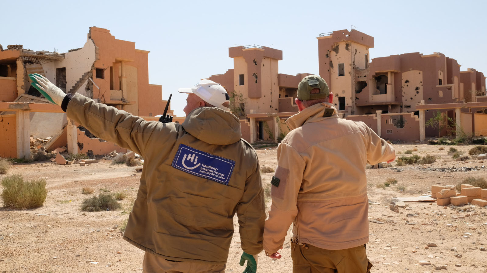 HI team, Clearance operations (EOD), on the right Simon Elmont, HI EOD Field Manager in Libya.