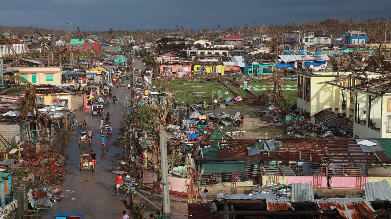 Guiuan city after typhon Haiyan in 2013