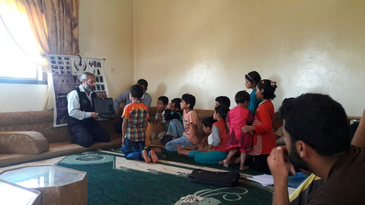 The children from Abdurrahman's family and their neighbours take part in the risk education session.