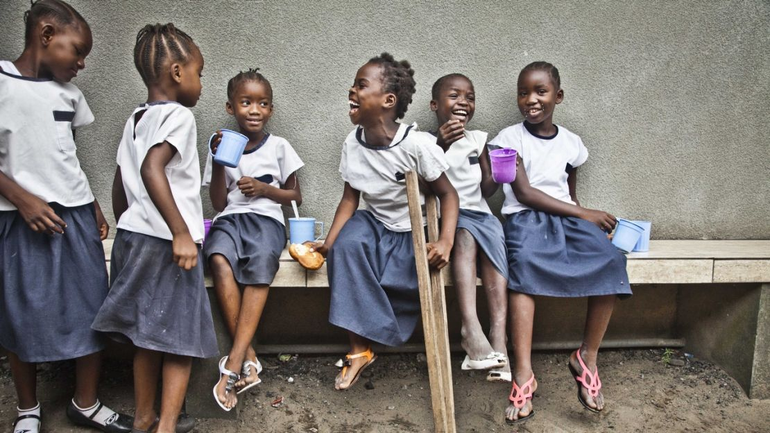 Grace (in the middle), 8, at Carmen Salles school in Kinshasa, taking part in Handicap International's inclusive education project.