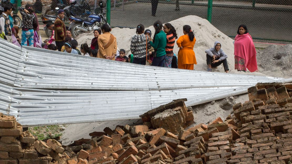 Collapsed building, Nepal - Humanity & Inclusion