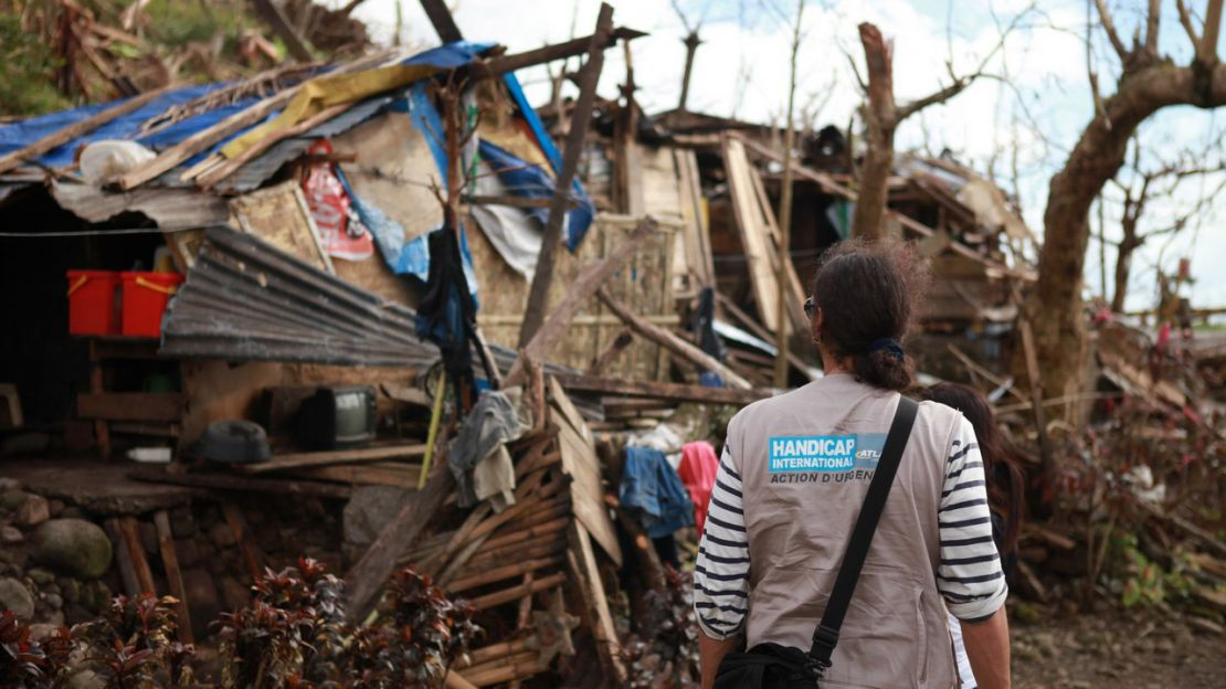Destruction in Leyte province following typhoon Haiyan, Humanity & Inclusion Philippines.
